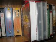 видеокассеты и магнитофон