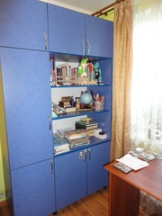 продам шкаф 3секционный .цвет синий