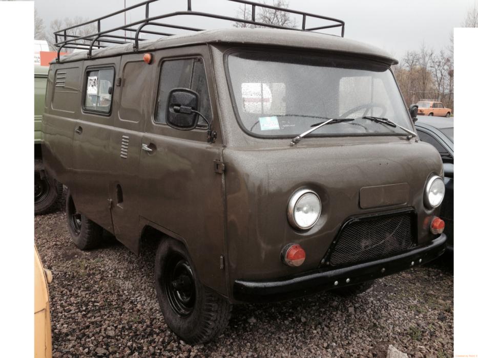 Автомобіль УАЗ 452 після капітального ремонту