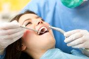 Оперативное лечение зуба у взрослых и установка фотополимерной пломбы